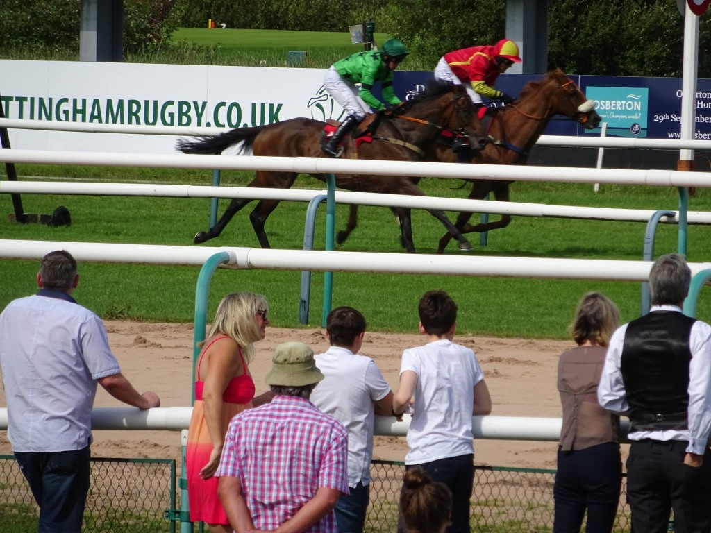Yourholidayisover 2nd over fences at Southwell